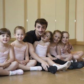Gruppo di bambini ballerini