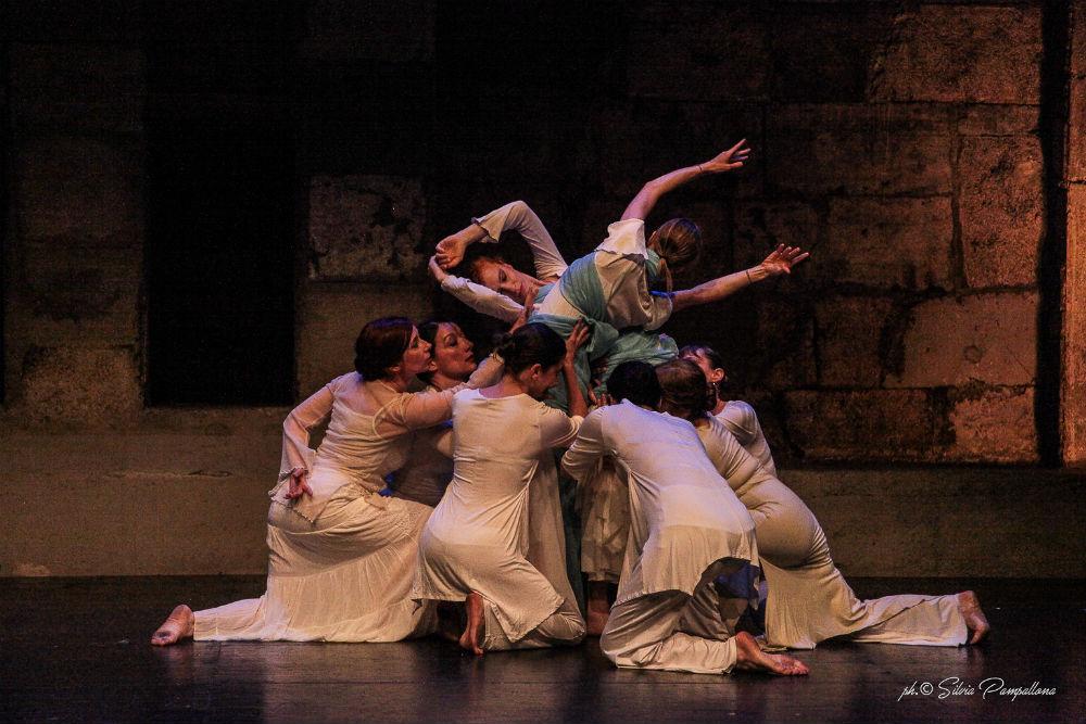 Lyrical Arab Dance